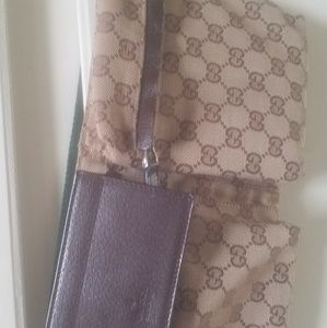 100% AUTHENTIC ALMOST NEW GUCCI Belt Bag